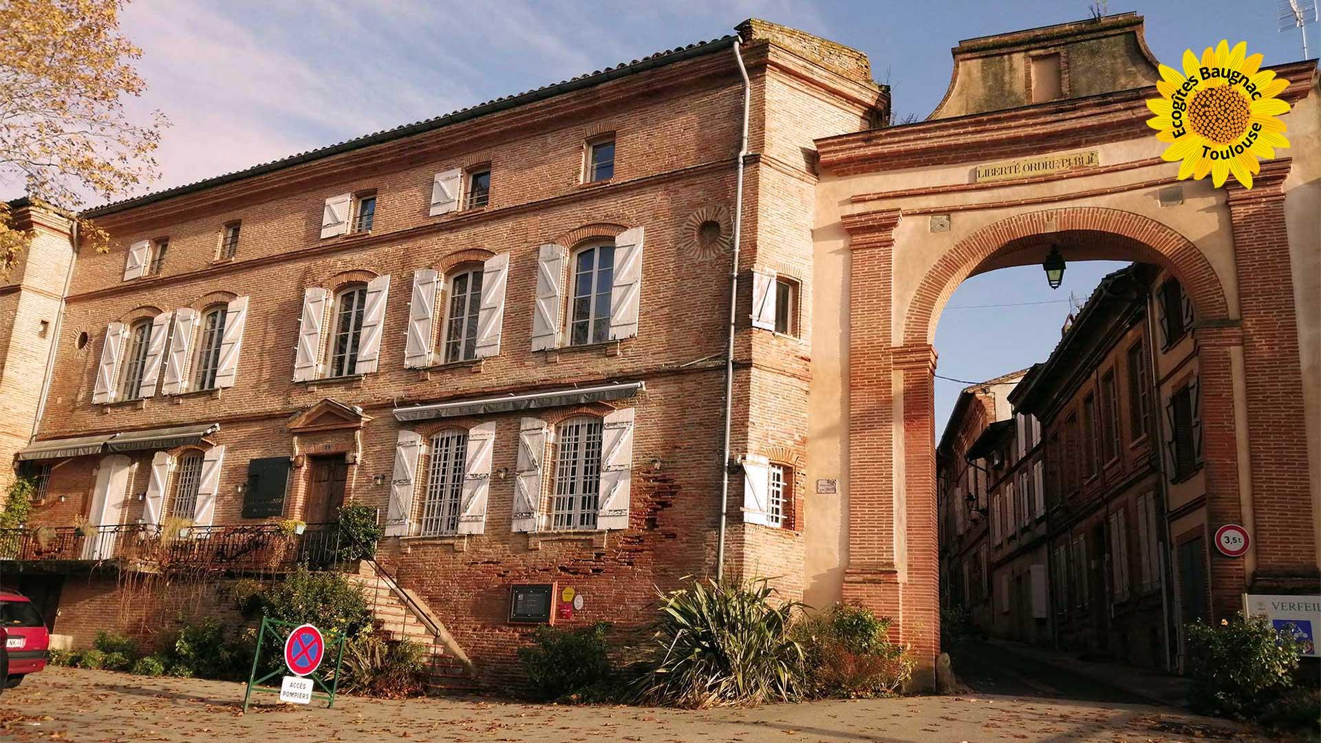 Verfeil, village fortifié à proximité des écogîtes de Baugnac